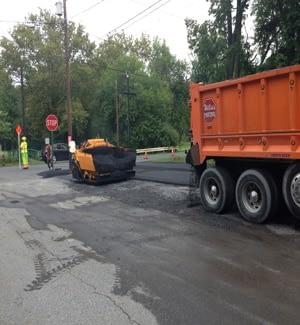commercial-asphalt-paving-parking-lot-in-highsprire-pa-m